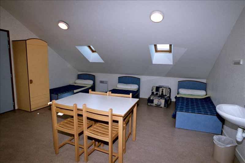 2013-Genets-Auberge-de-jeunesse-chambre-a-3-lits