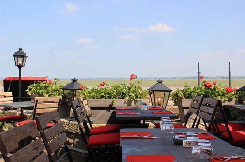 2013-MSM-terrasse-exterieure-cafe-mere-poulard