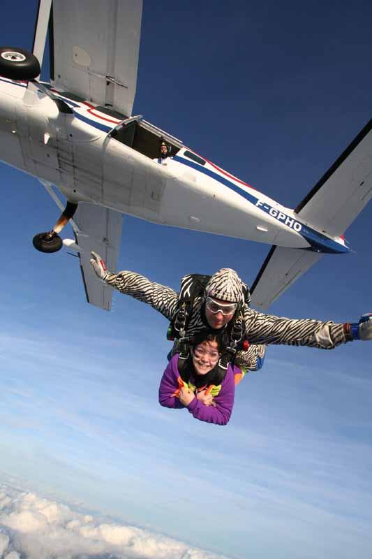 Abeille-Parachutisme—Le-Val-St-Pe-re-1