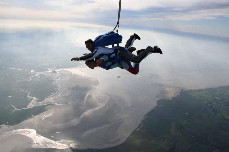Abeille-Parachutisme—Le-Val-St-Pe-re-2
