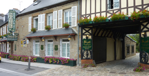 Avranches-HR-La-croix-d-or-facade