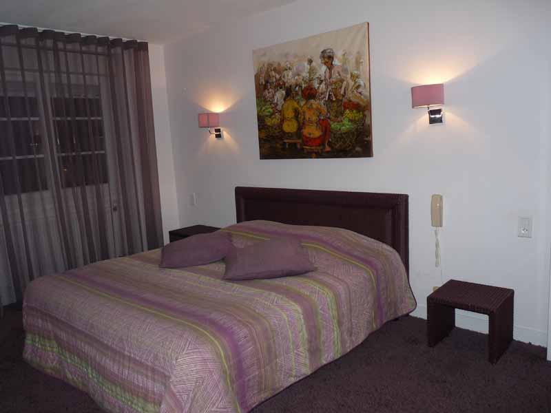 Avranches-Hotel-Patton-2