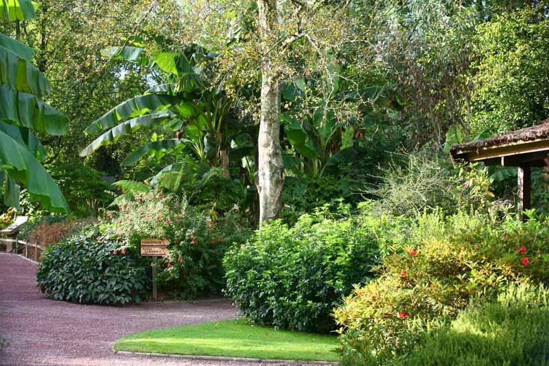 Champrepus-Parc-zoologique-et-paysager-jardin-pres-de-l-accueil-Y.Lebreton