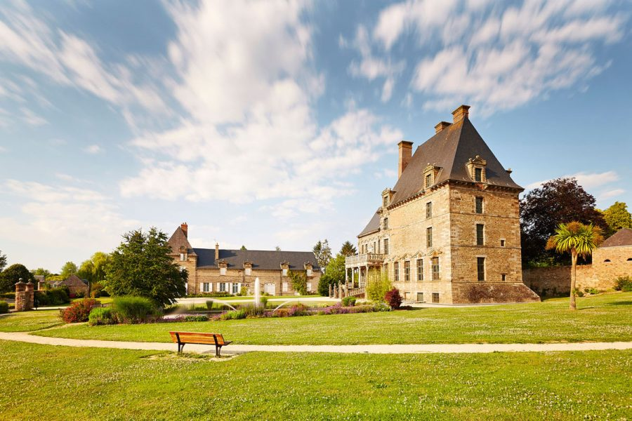 Chateau-des-Montgommery-de-Ducey–cote-jardin