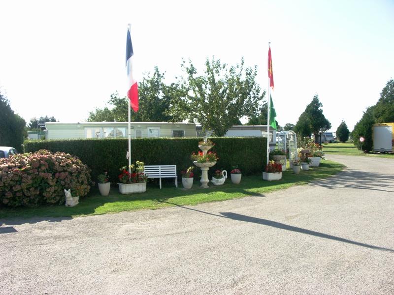 Dragey-Ronthon-Camp-Les-Cognets