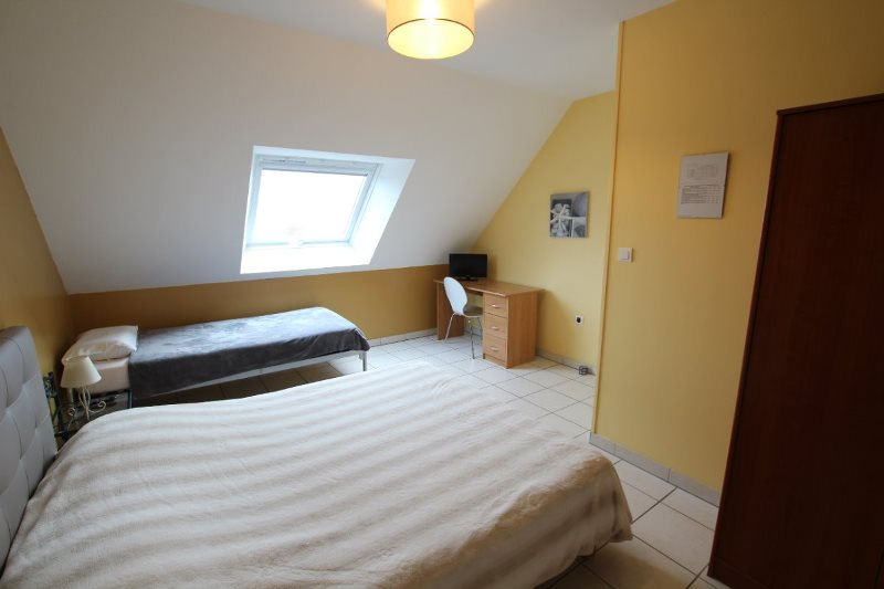 H33527-courtils-CH-le-neufbourg-chambre-cannelle-3