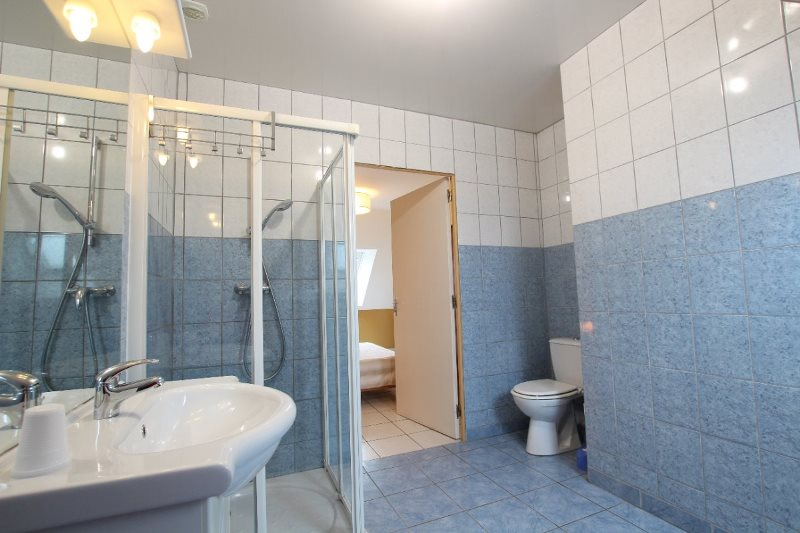 H33527-courtils-CH-le-neufbourg-chambre-cannelle-5