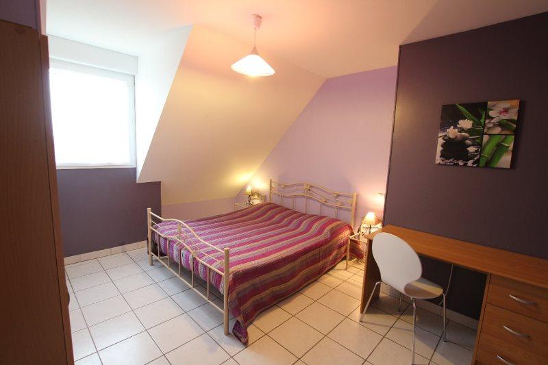 H33527-courtils-CH-le-neufbourg-chambre-parme-1