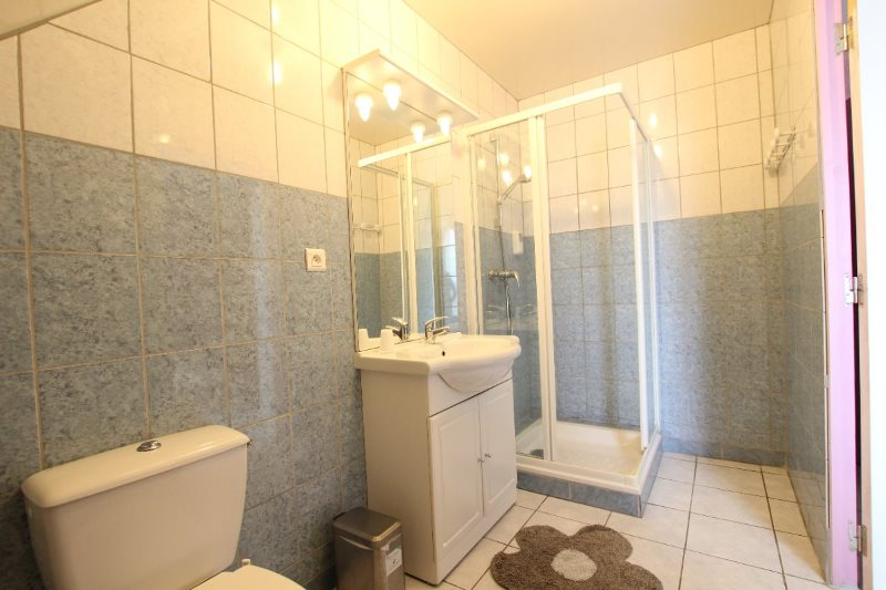 H33527-courtils-CH-le-neufbourg-chambre-rose-2