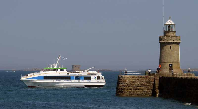 Manche-Iles-Express-Ferry-Granville-heading-to-St-Peter-Port-for-Berthing-Trials-23-06-14-Pic-by-Tony-Rive–5-