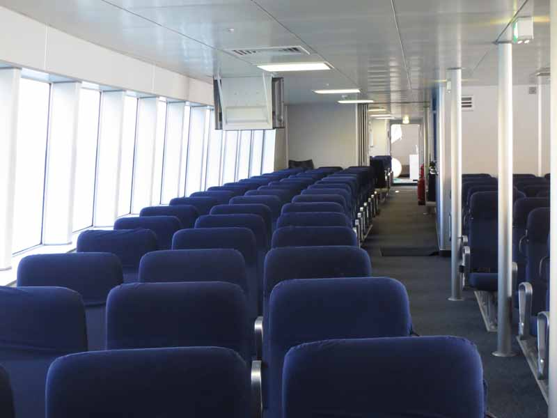 Manche-Iles-Express-interieur-ferry