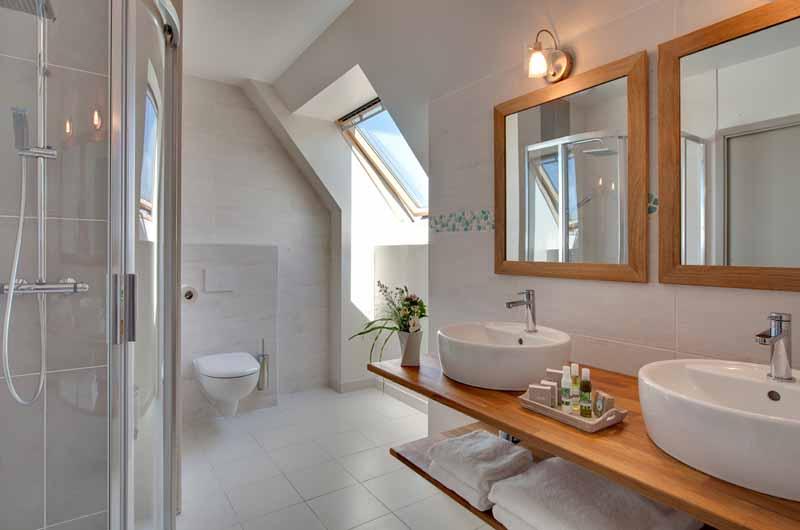 Marcey-les-Greves-Villa-la-Madile-salle-de-bain-Chausey