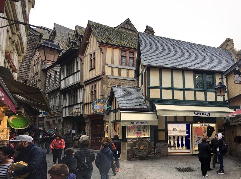 Mont-saint-michel-les-lutins