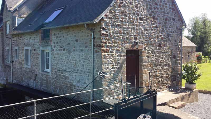 Ponts-Moulin-de-Cavigny-exterieur1