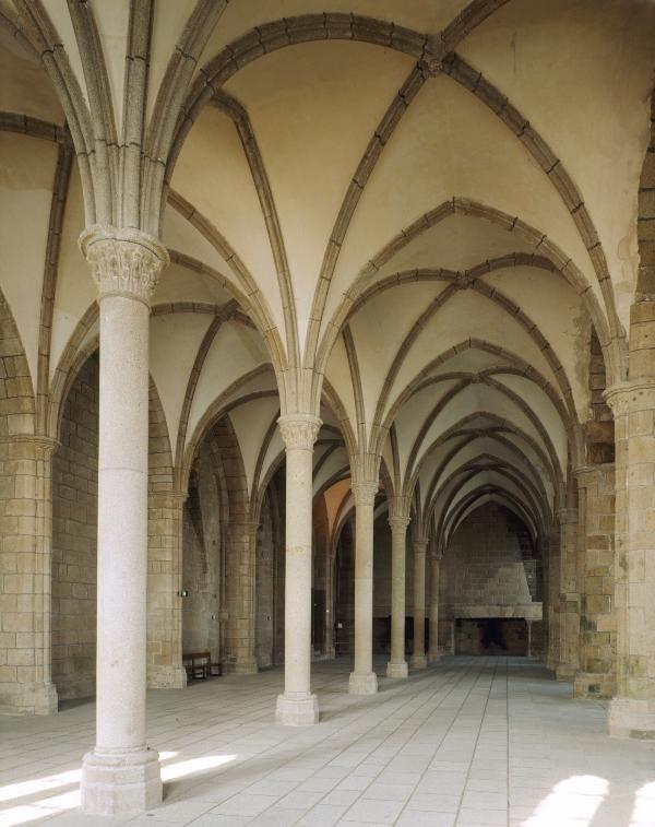 Salle-des-hotes-Centre-des-monuments-nationaux
