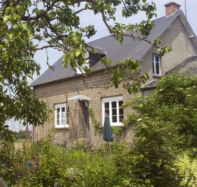 St-Symphorien-des-Monts-P-Hamlett