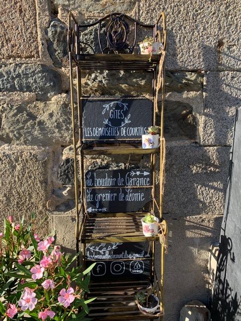 courtils-meuble-le-grenier-de-leonie–2–2ca3eb55e17545a097aee4349d1629b0