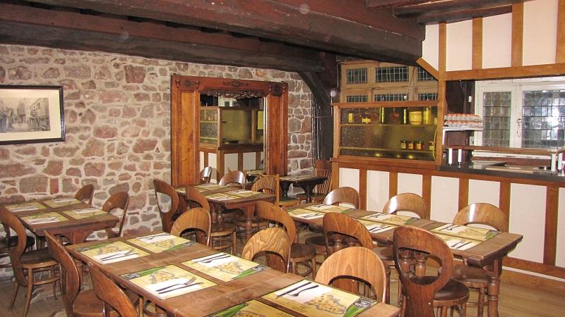 le-mont-saint-michel-creperie-la-sirene