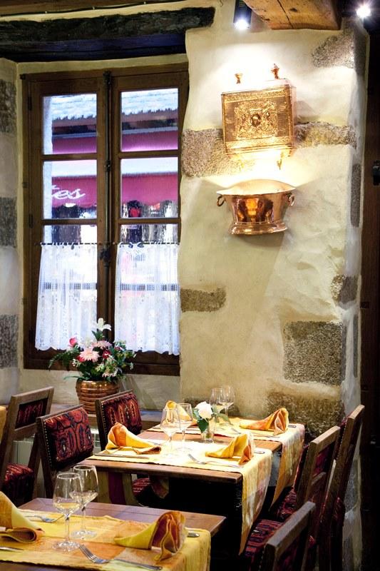 le-mont-saint-michel-restaurant-auberge-saint-pierre-4