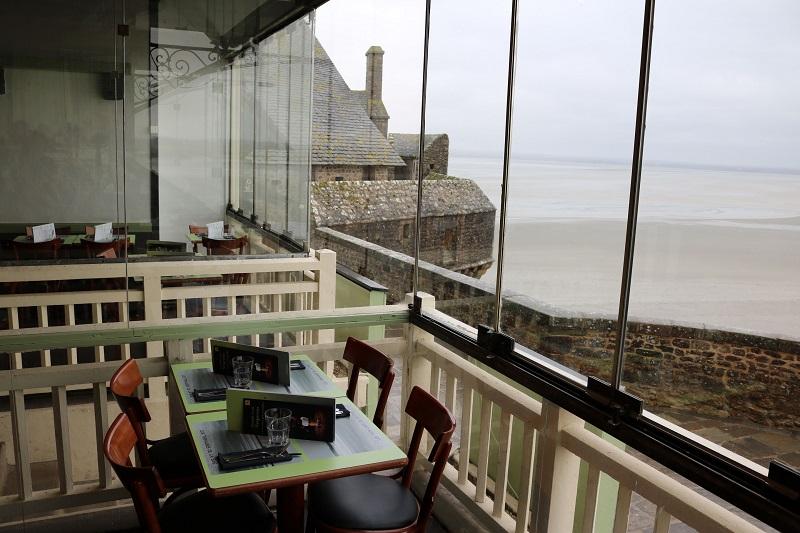 le-mont-saint-michel-restaurant-les-terrasses-de-la-baie