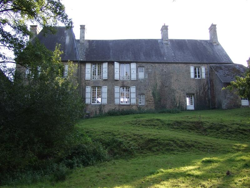 saint-cyr-du-bailleul-meuble-rochard-10