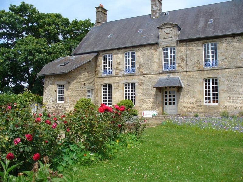 saint-cyr-du-bailleul-meuble-rochard-4