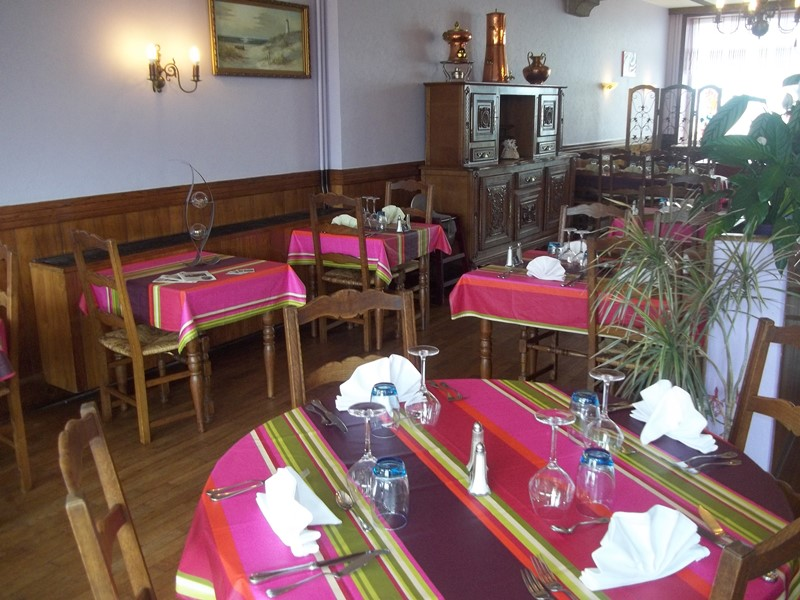 saint-jean-le-thomas-hotel-des-bains-3