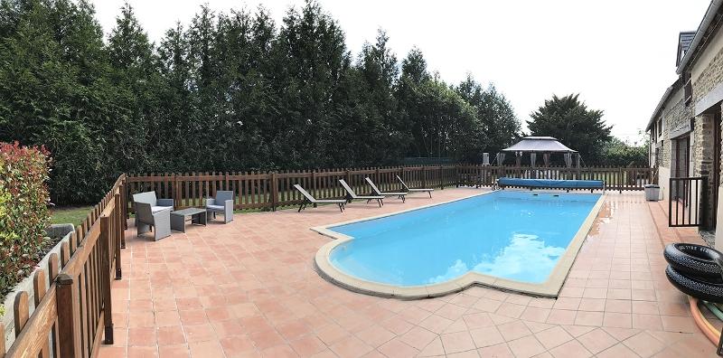 vessey-aux-portes-de-la-baie-piscine